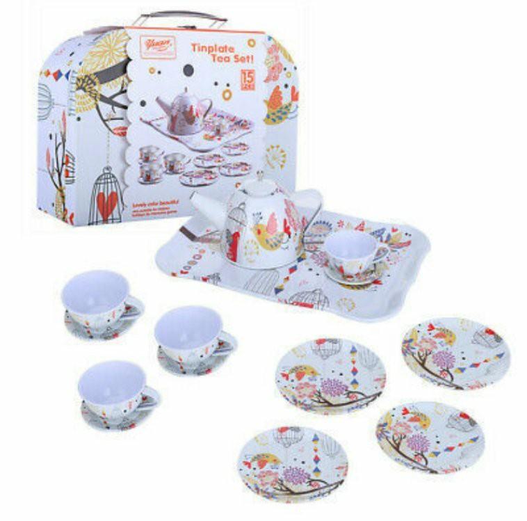 Набор детской посуды в чемодане