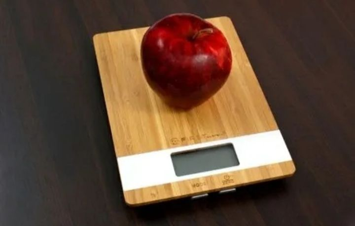 Кухонные весы из бамбука